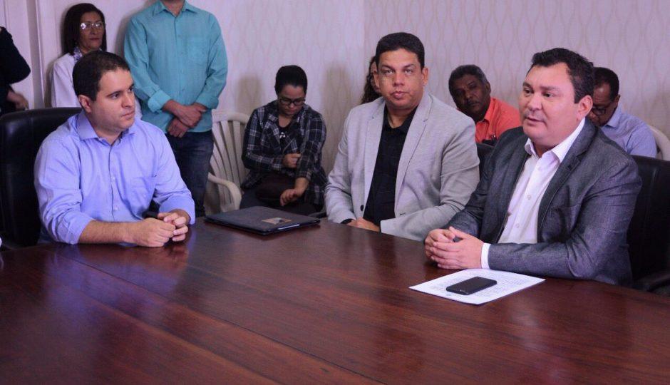 Prefeitura entrega cronograma de reforma das feiras com obras até 2028