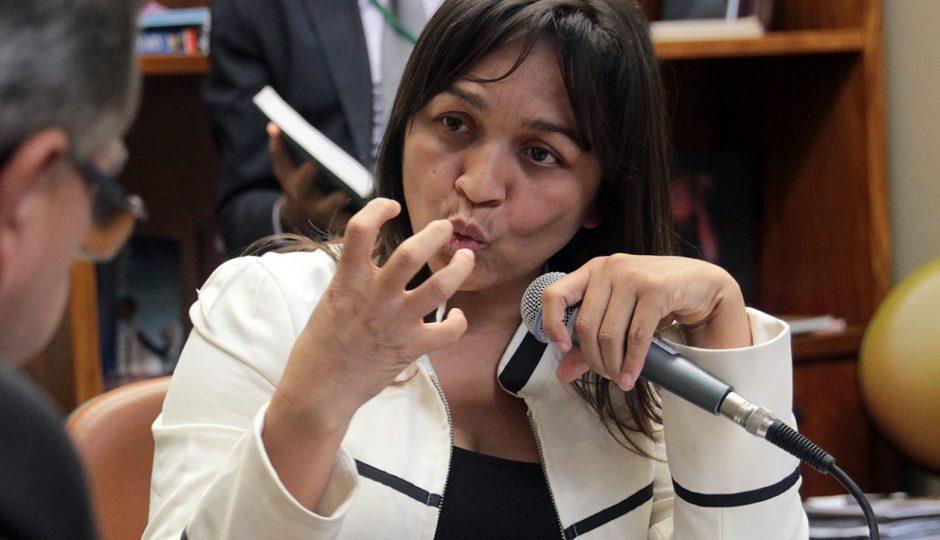 Eliziane Gama sequer é lembrada em pesquisa para o Senado