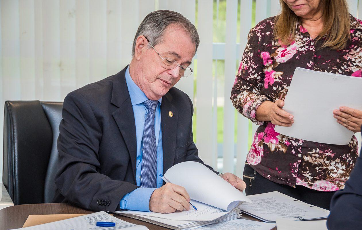 Comissão de Ética antecipa decisão, falseia provas e livra Levi Pontes