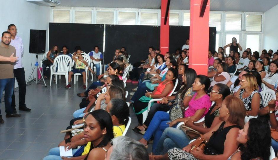 Prefeitura de Ribamar entrega kits de trabalho para agentes comunitários