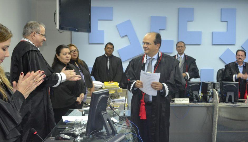 TCE atrasa avaliação de transparência dos municípios; maioria continua irregular