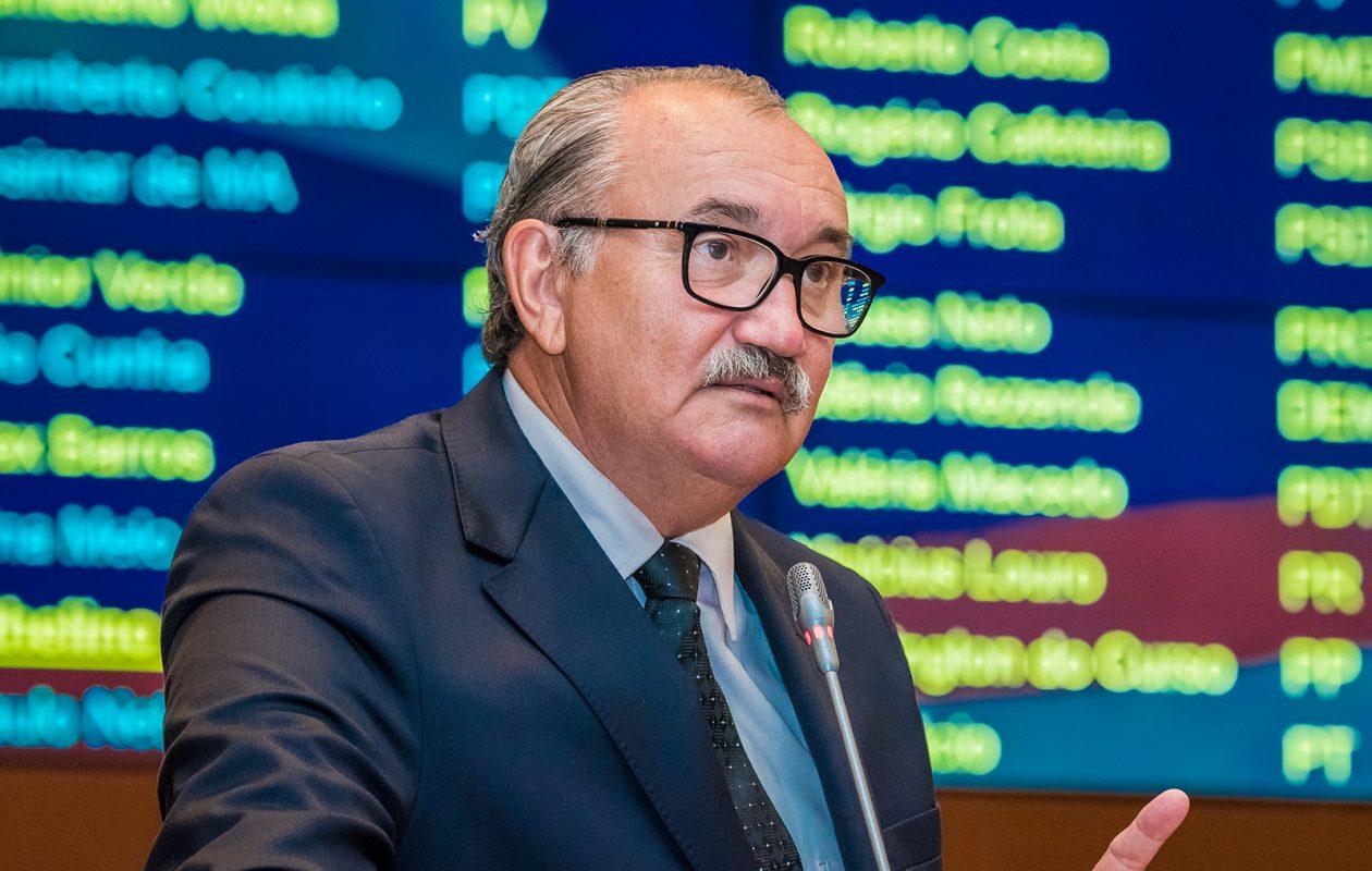Deputado convoca população a protestar contra aumento de impostos no MA