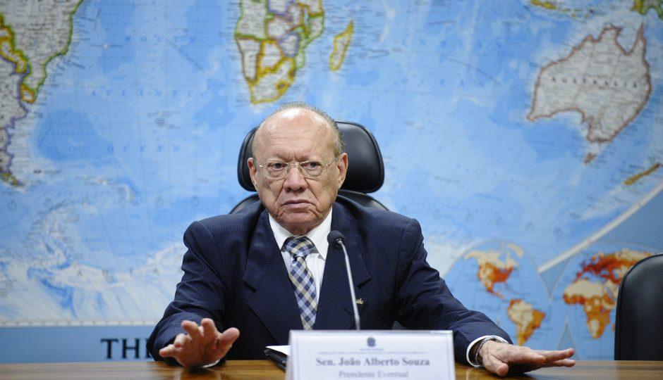 João Alberto aceita denúncia contra seis senadoras no Conselho de Ética