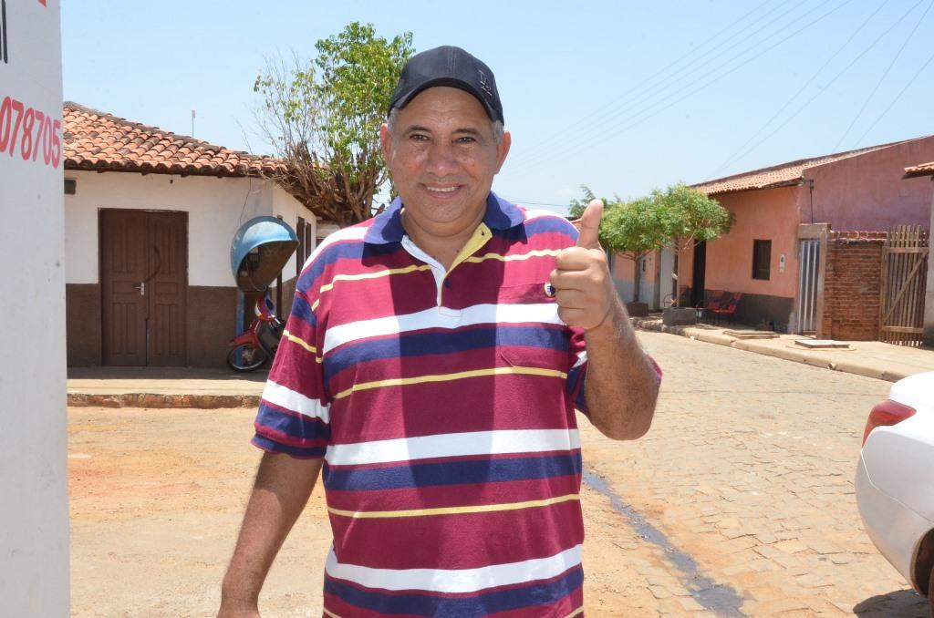 Resultado de imagem para prefeito de Paraibano, Zé Hélio
