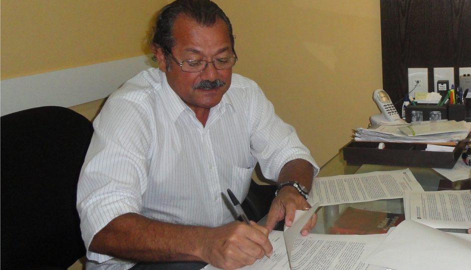 Promotoria pede afastamento de Albérico Filho e secretário de Educação