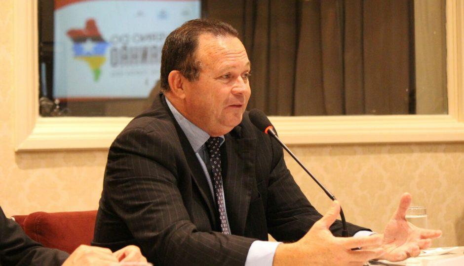 Governador em exercício, Carlos Brandão cumpre agenda em Brasília