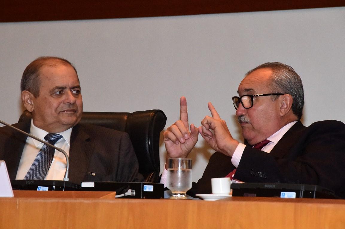 Flávio Dino perde batalha e PEC da Emenda Impositiva será publicada