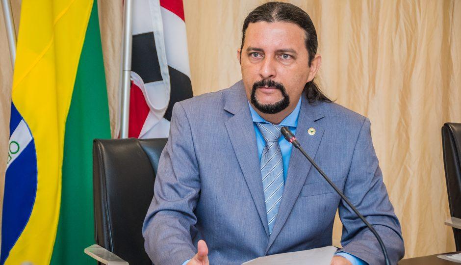 PEC que tira poder do TCE pode complicar reeleição de Júnior Verde