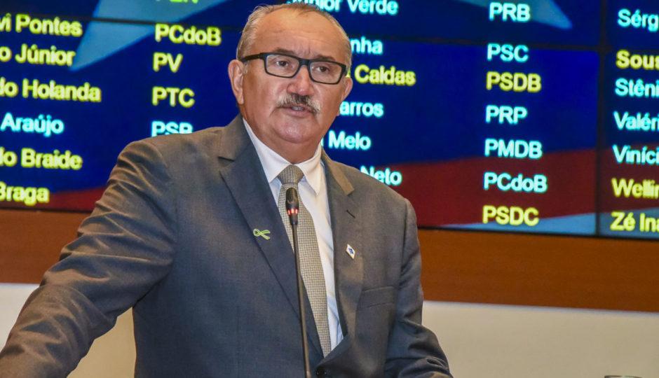 César Pires aponta irregularidade na instalação da Bomar Maricultura