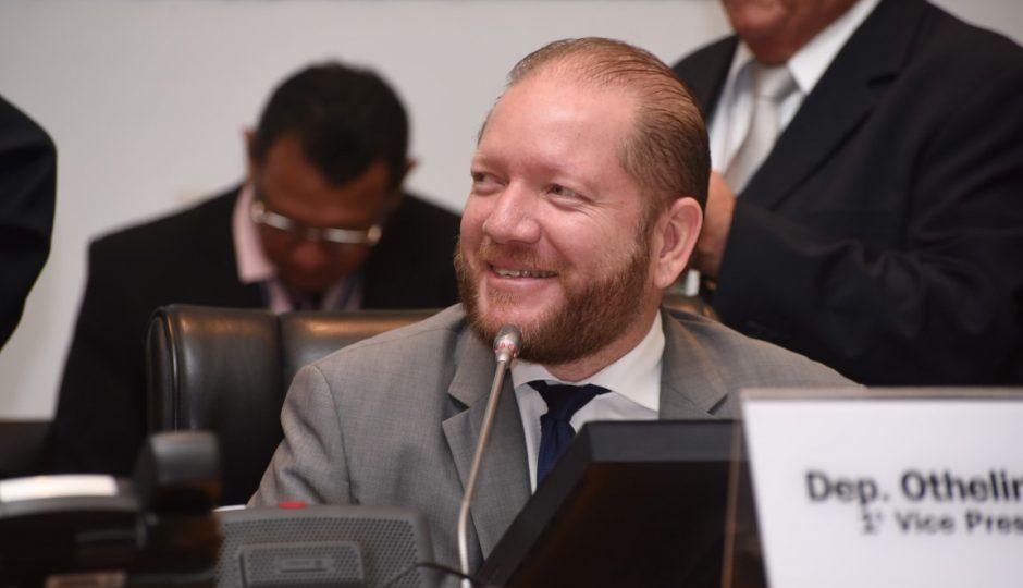 Relator tira férias e julgamento de ação penal contra Othelino é adiado
