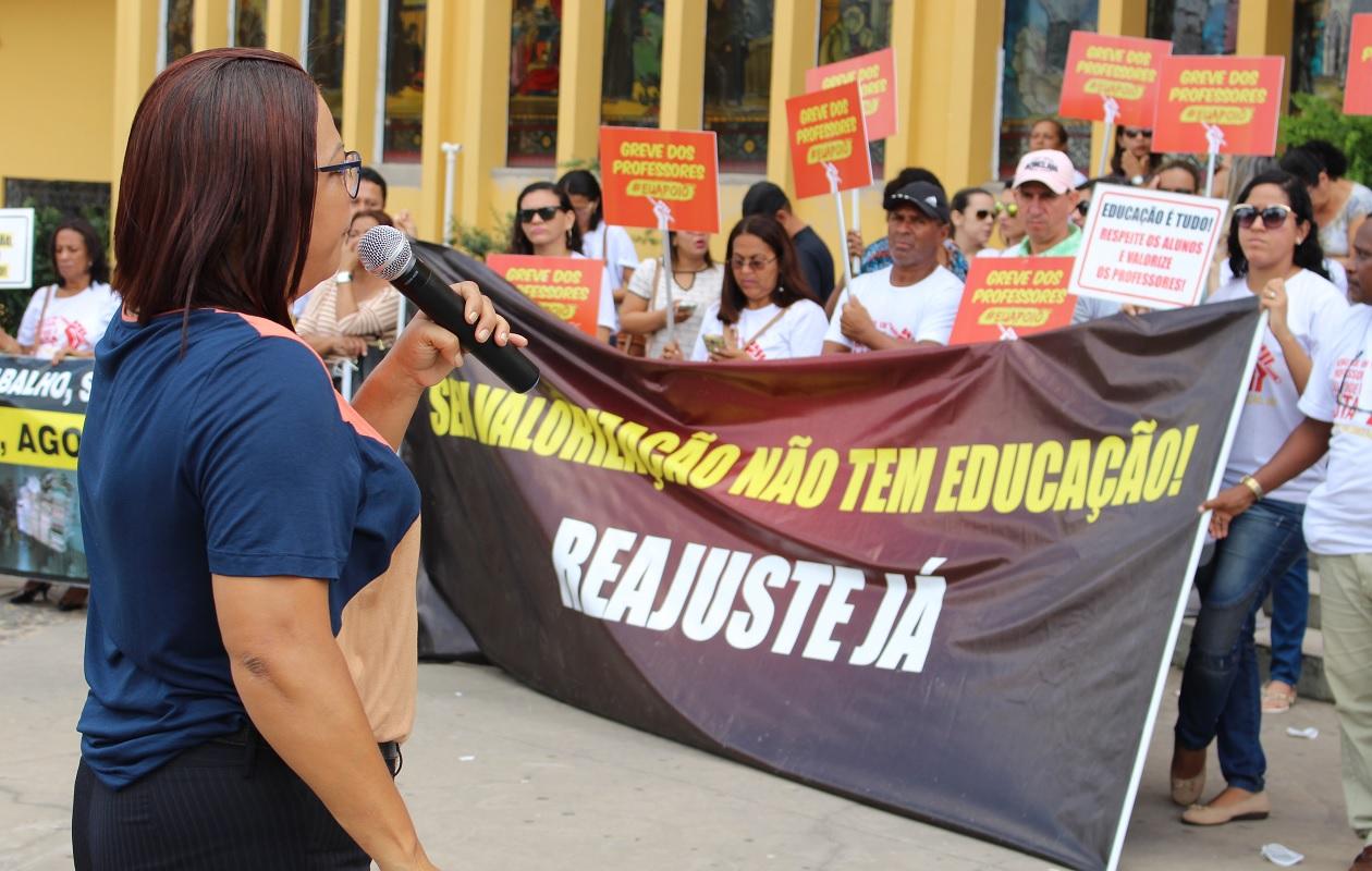 Professores de São Luís estão em greve há mais de um mês