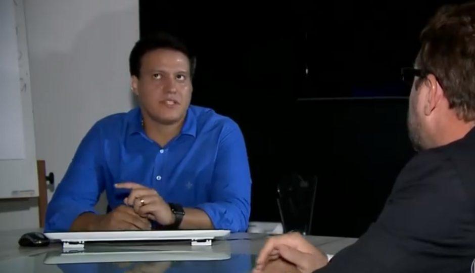 Felipe Camarão culpa os pais por Seduc colocar alunos em escola sem estrutura