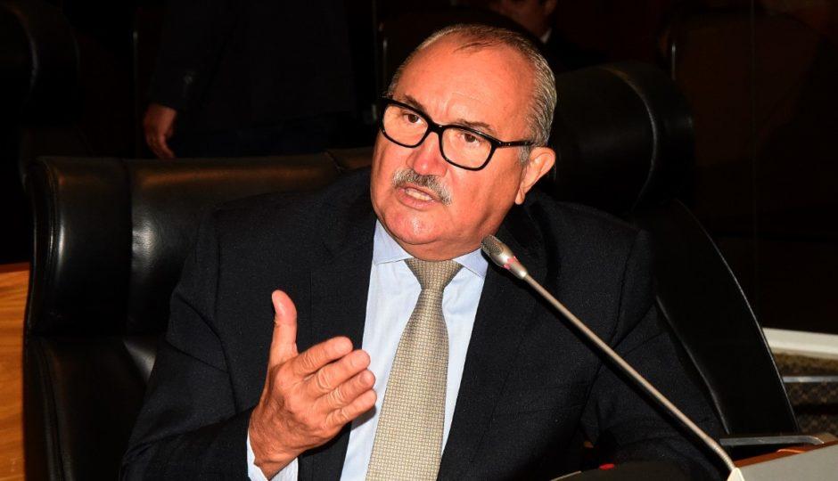 César Pires critica parecer da CCJ contra a PEC da Emenda Impositiva