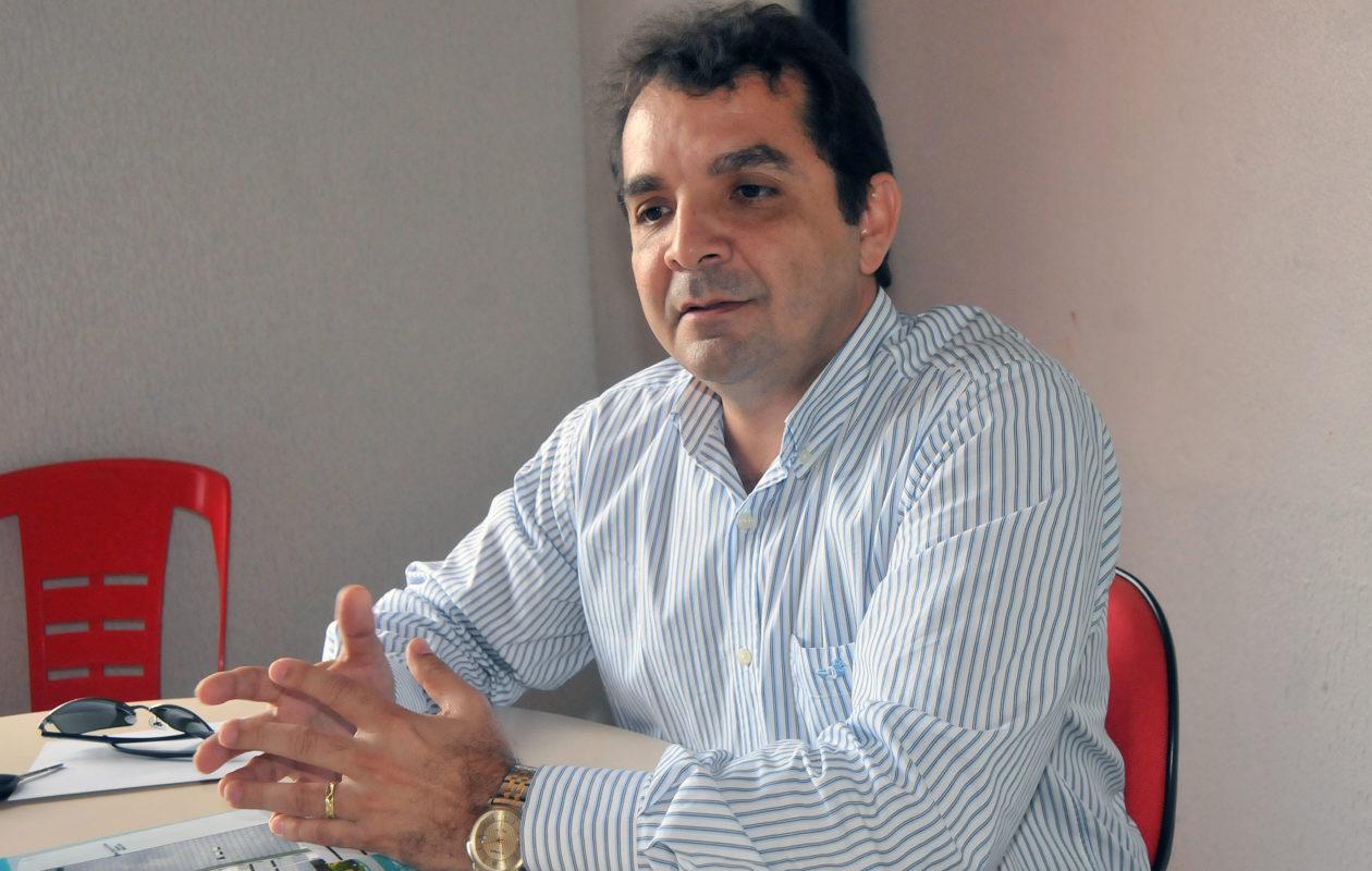 Santa Rita paga auxílio a taxistas, mototaxistas, artistas e estivadores do município