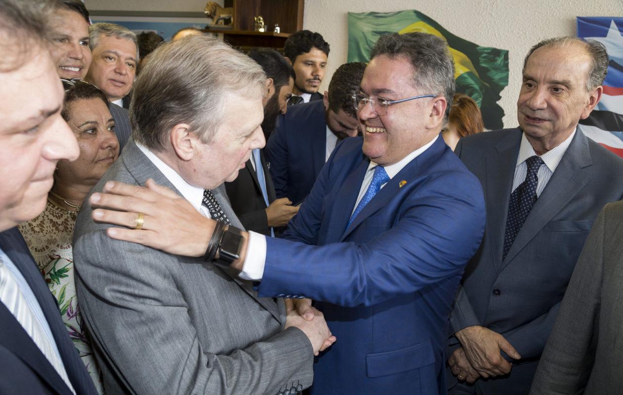 Tasso diz que PSDB-MA se submeteu aos caprichos do PCdoB e entrega partido para Rocha