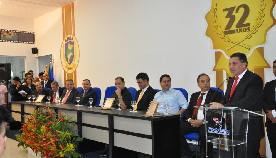Tema inaugura nova sede da Federação dos Municípios do Maranhão