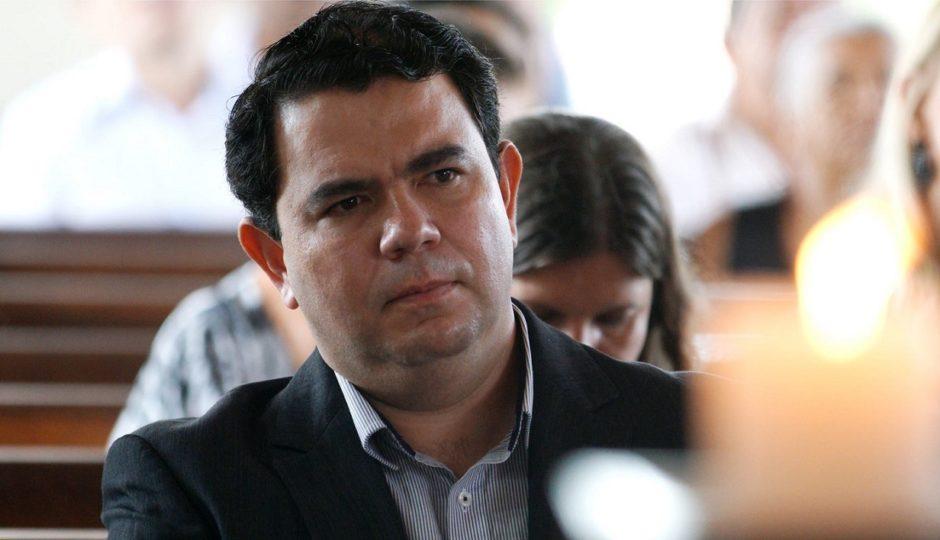 Justiça suspende licitação de R$ 620 mil da gestão Dr. Erik por ilegalidades