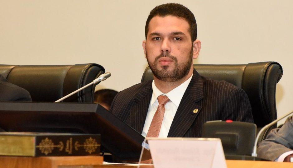"""Em nota, Fábio Macedo explica lesão e ameaças a PM: """"Consumo de bebidas alcoólicas"""""""