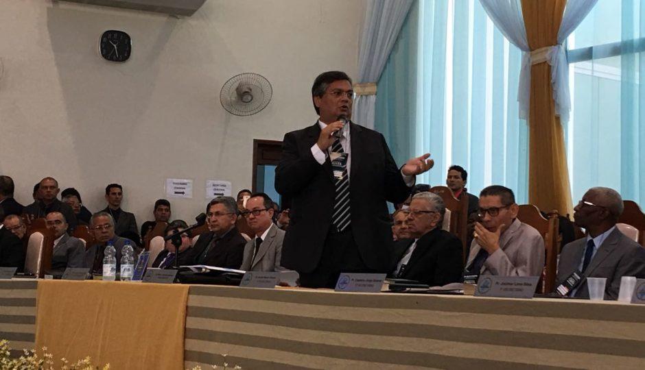 Após Roseana Sarney, Flávio Dino também vai a evento evangélico