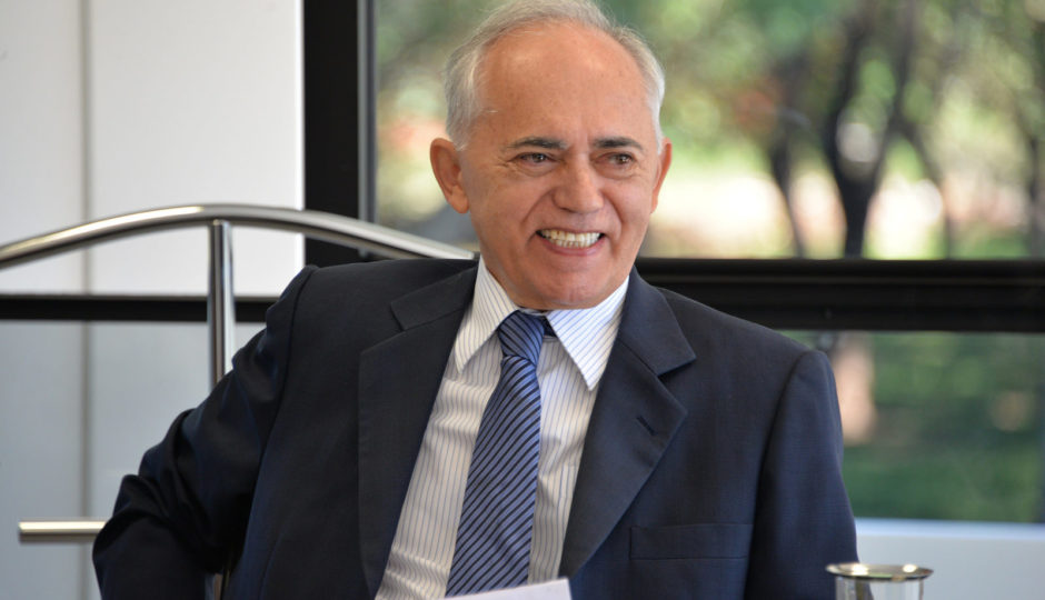 Raimundo Carreiro é reeleito para mais um ano à frente do TCU