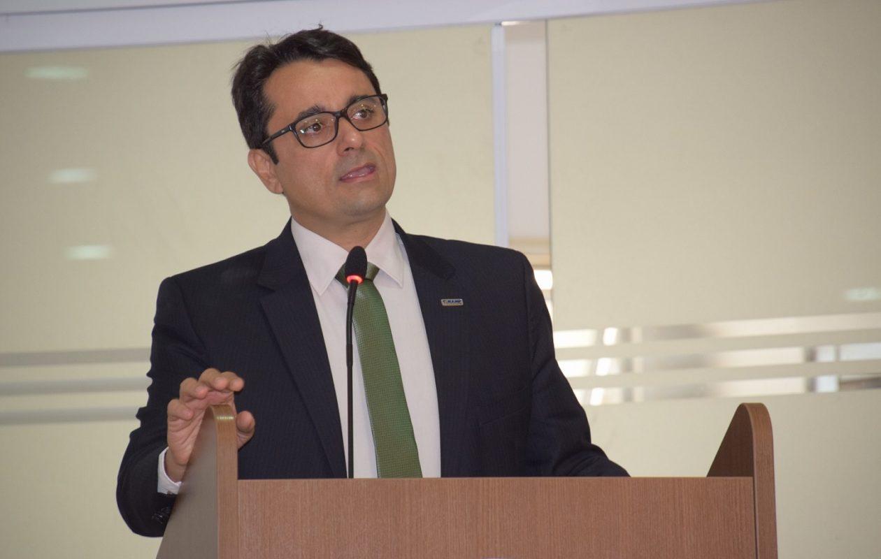 Tarcísio Bonfim é reeleito presidente da Ampem