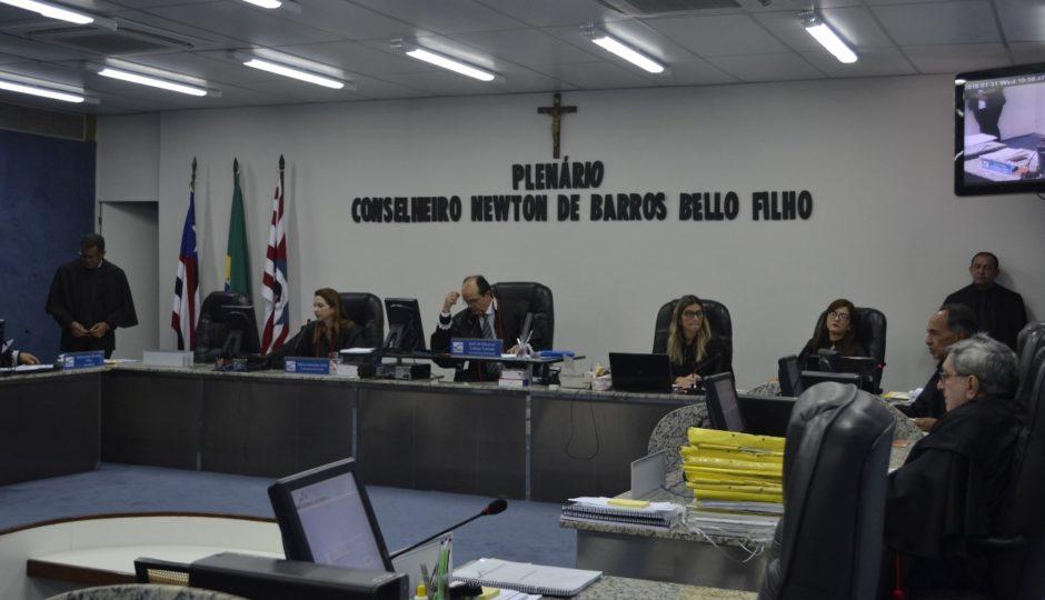 TCE decide: prefeituras não podem bancar festas com folha em atraso