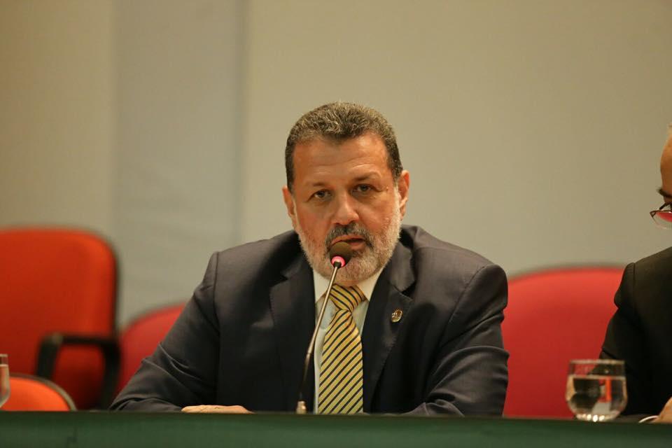 """Charles Dias critica """"sede de poder"""" e """"vaidade"""" de Thiago Diaz"""