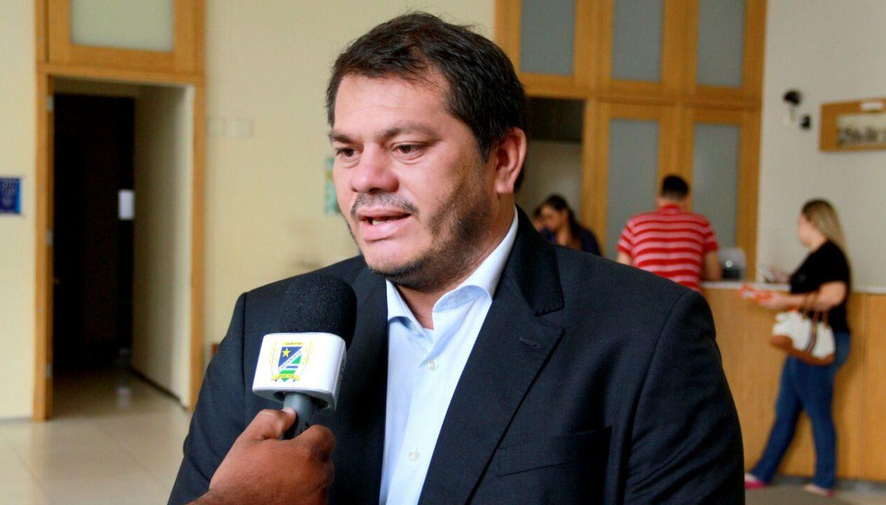 Promotoria requer suspensão de licitação de R$ 924,8 mil da gestão Ruivo