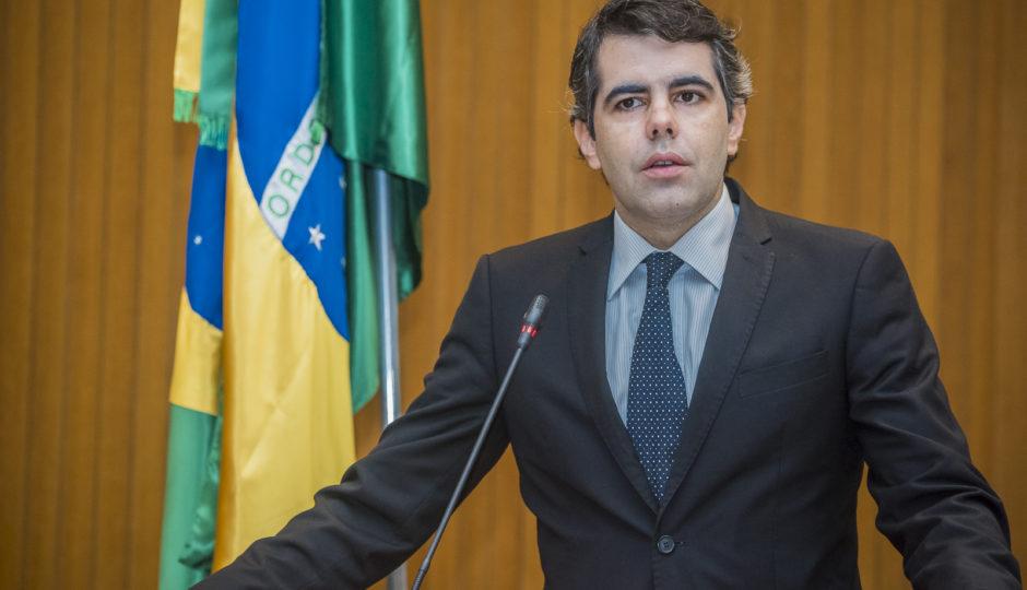 Adriano cobra de Flávio Dino transparência sobre atuação da STC