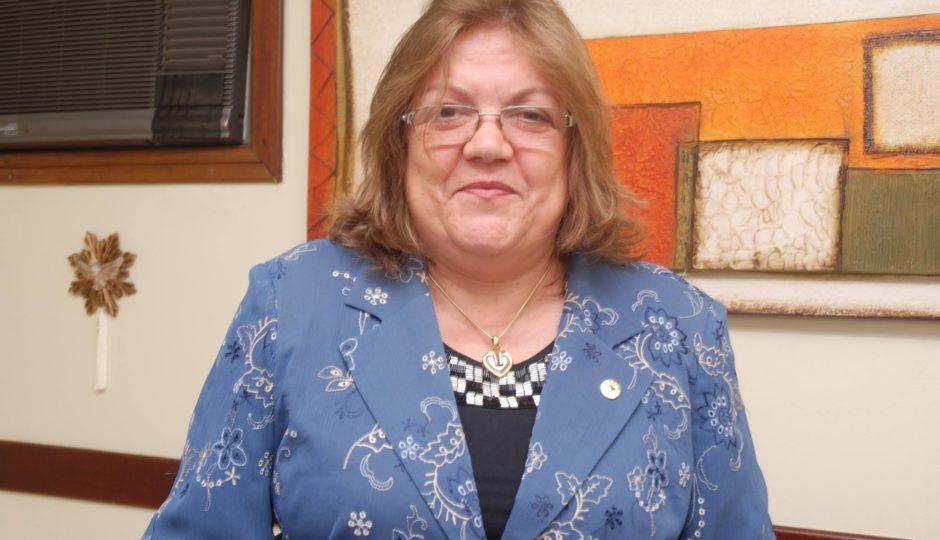 Viúva de Humberto, Cleide Coutinho ganha da AL-MA pensão vitalícia de R$ 25,4 mil