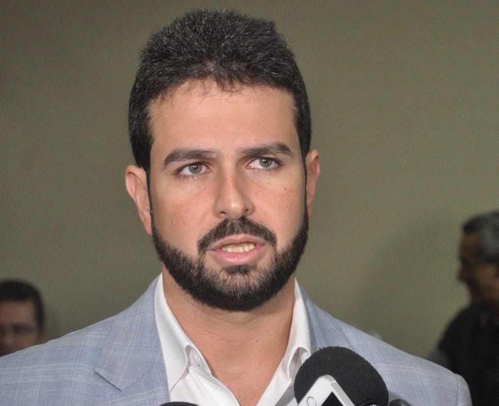 Contratação da Odebrecht obedeceu trâmites legais, diz Gil Cutrim