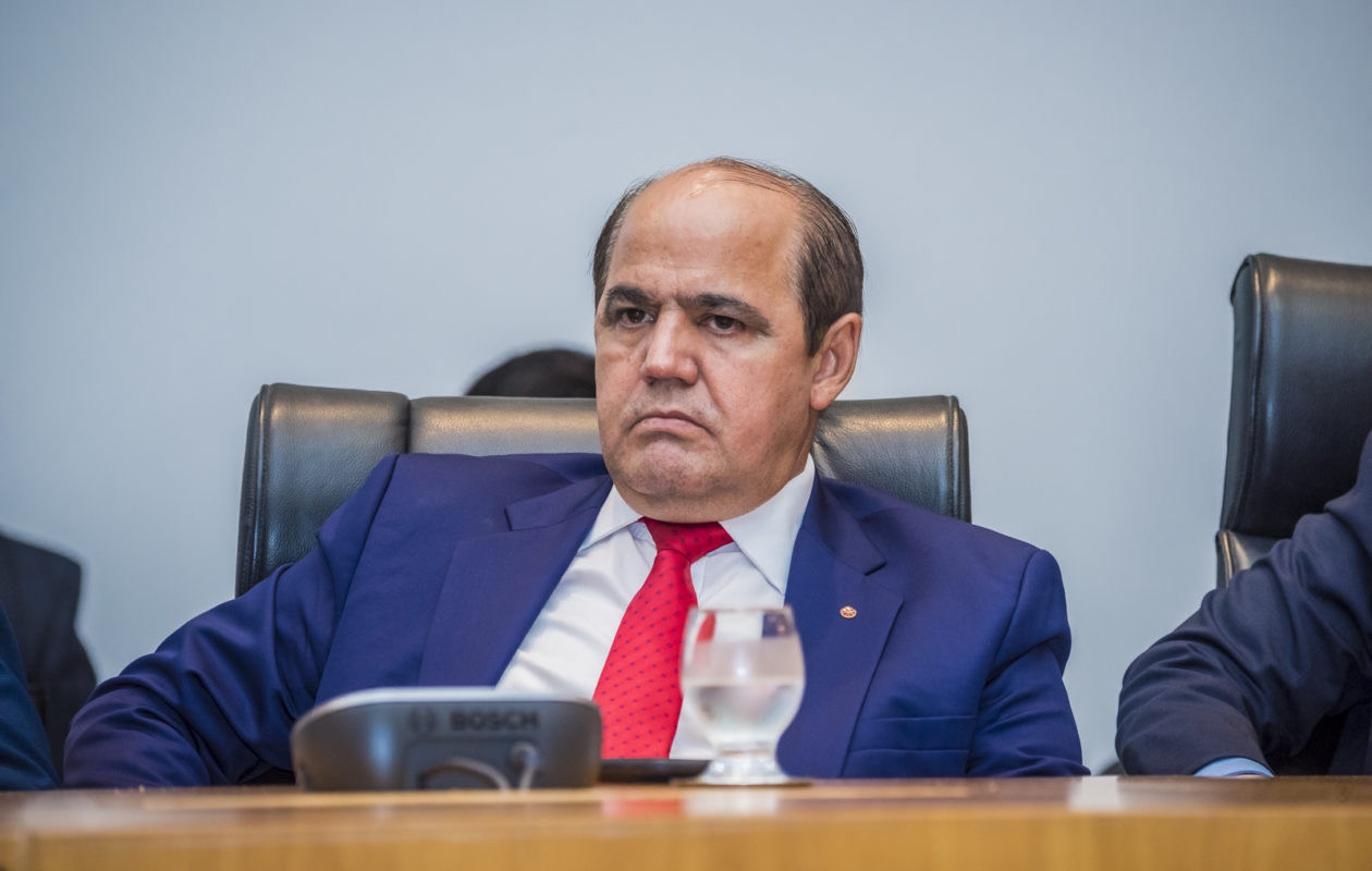Em ato sobre serviço voluntário no MP, Gonzaga cobra regra que ele não cumpriu
