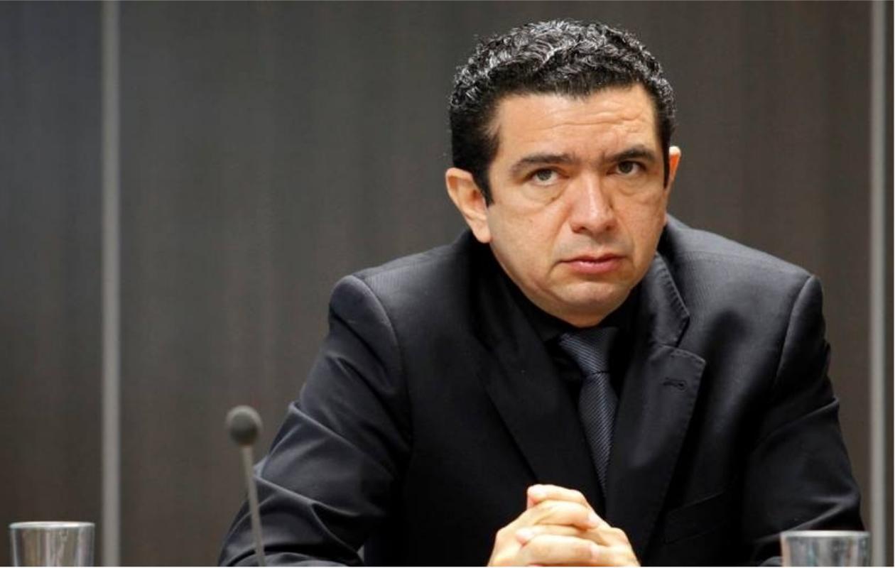 Douglas Martins se declara suspeito para julgar caso contra Duarte Júnior