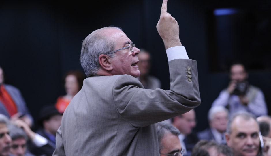 Sarney opera para entregar PP no MA para Hildo Rocha
