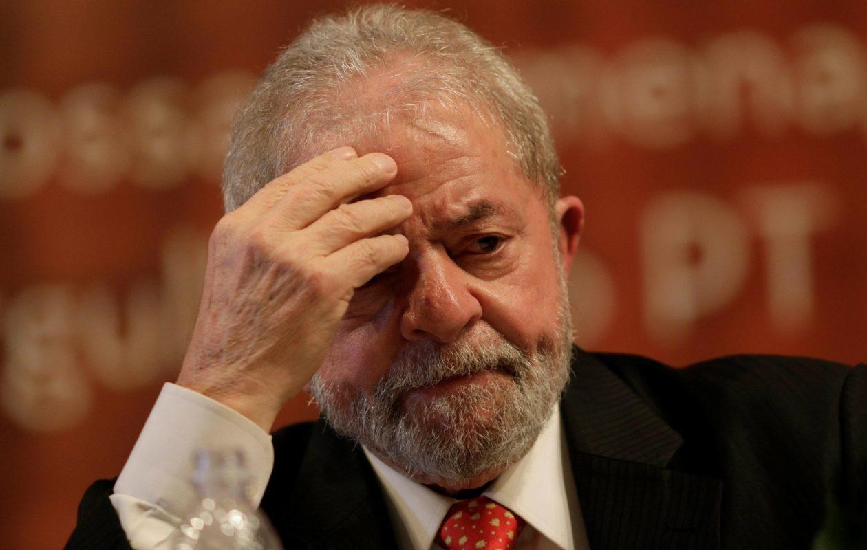 TRF-4 nega recurso e mantém condenação de Lula; prisão fica nas mãos do STF