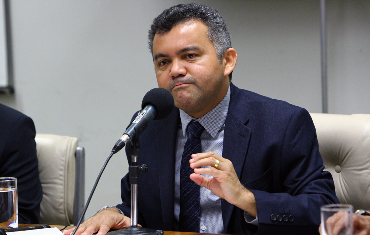 Cléber Verde é derrotado por Luana Alves na disputa pela coordenação da bancada do MA