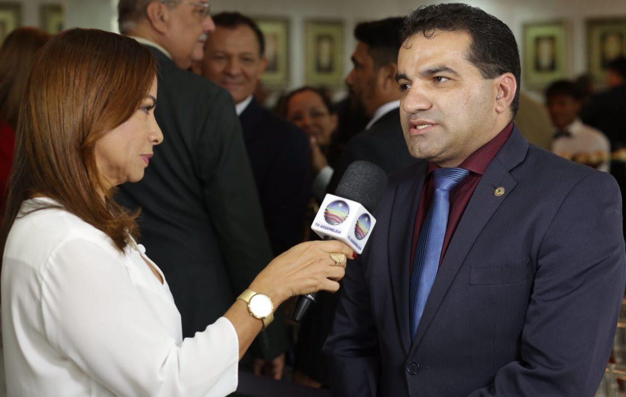 Aluísio quer que Maranhãozinho seja submetido a teste de alfabetização
