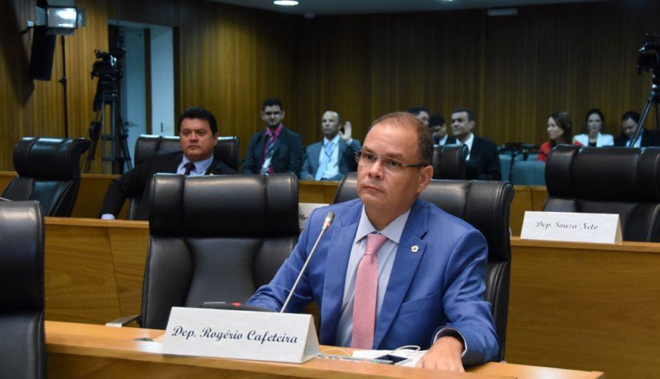 Cafeteira designa hoje subcomissão para representações contra Levi e Campos