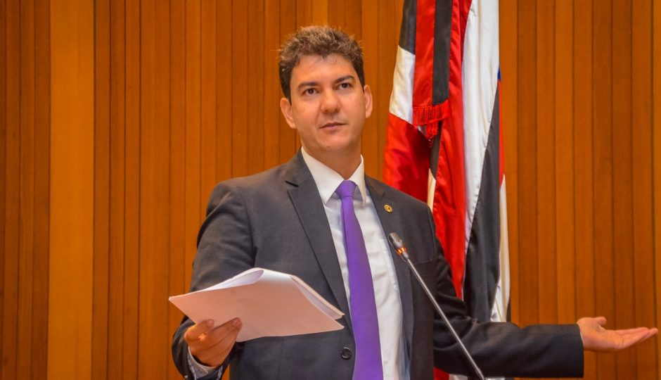 Braide destoa da oposição e não assina pedidos de intervenção e de CPI