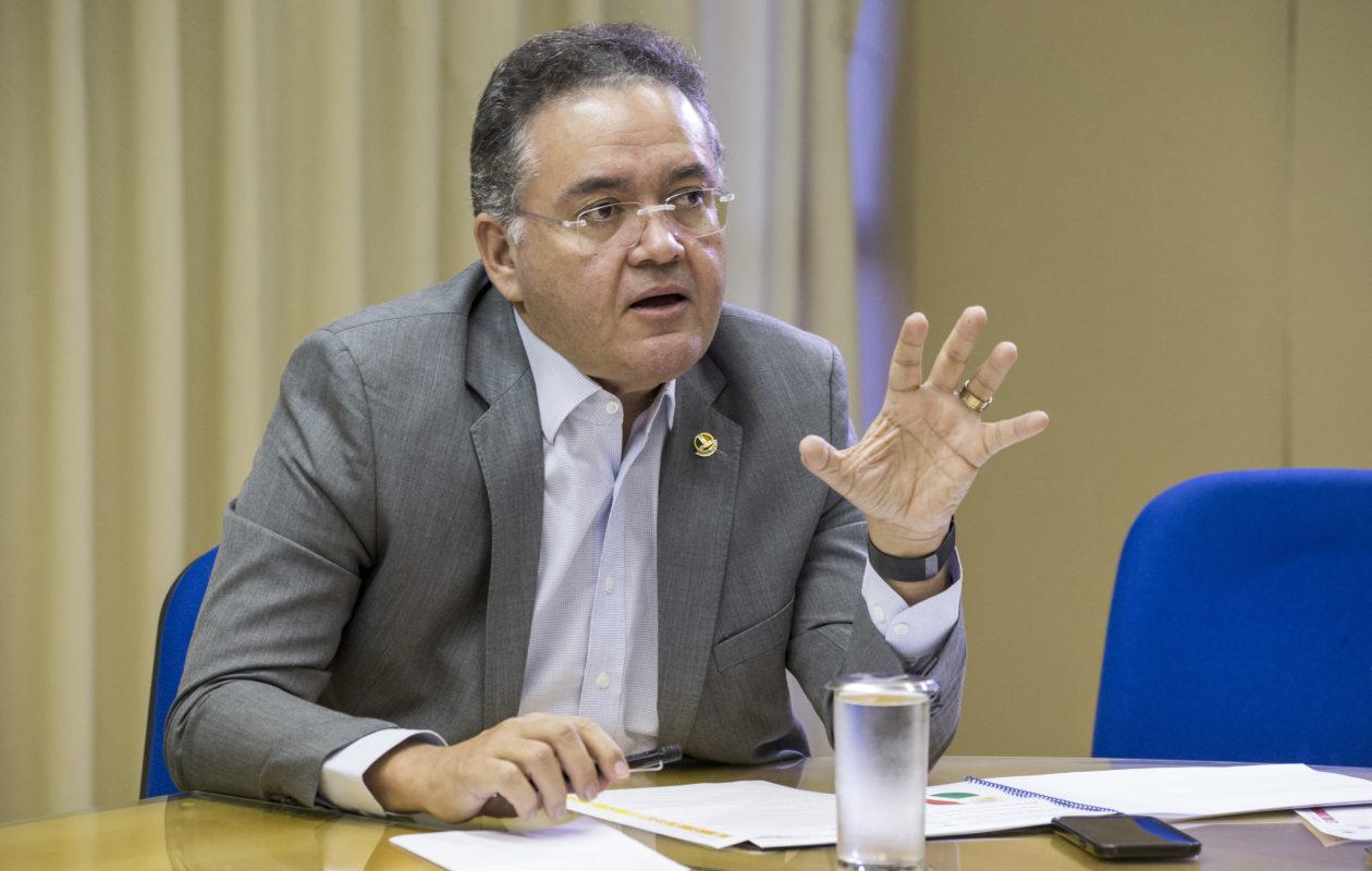 Roberto Rocha pede a PGR e PF investigação sobre ataques à Anelise Reginato