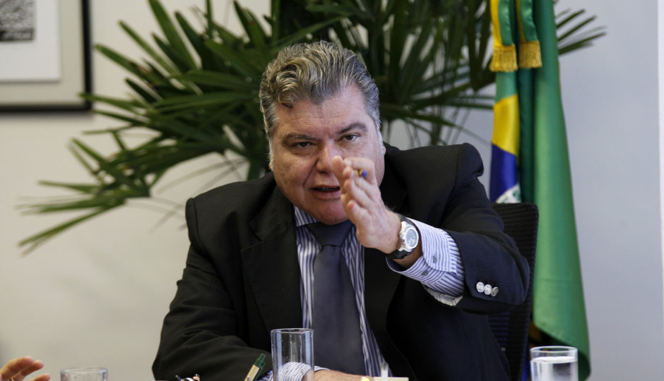 Emenda de Sarney Filho garante a Flávio Dino realização de programa