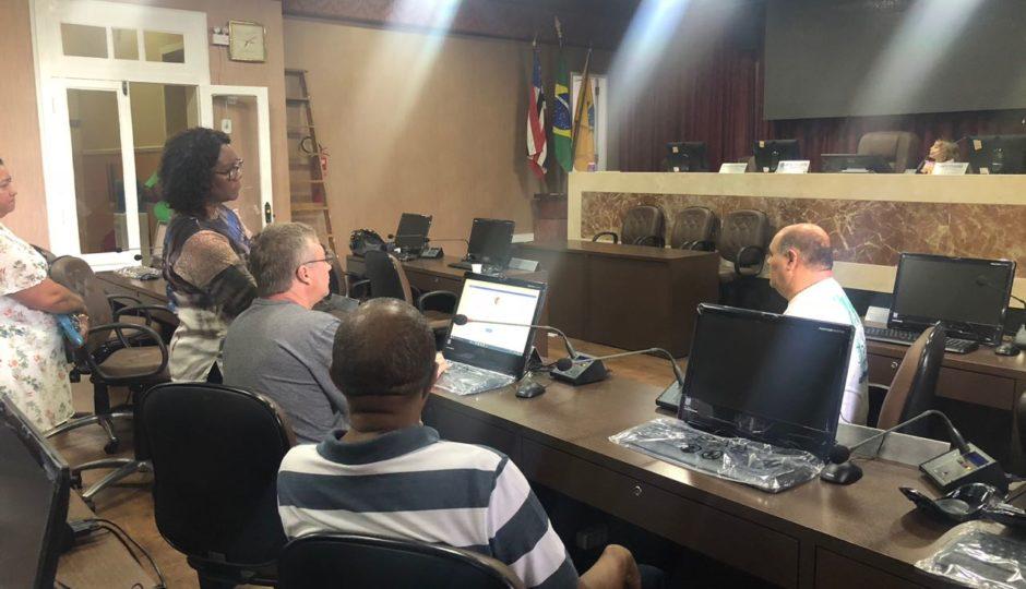 Astro apresenta sistema que vai agilizar trabalho legislativo na Câmara