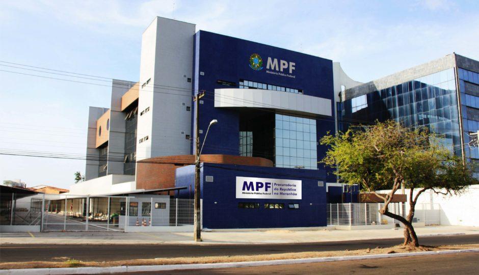 Auditor da Receita, ex-agente da PF e advogado são denunciados pelo MPF