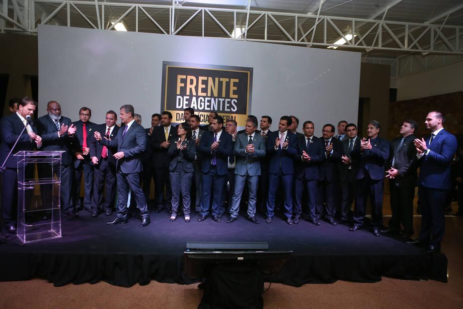 Aluísio Mendes e demais nomes da bancada da Lava Jato, durante evento de lançamento da Frente de Agentes da Polícia Federal, em Brasília, organizado pela Federação Nacional dos Policiais Federais (Fenapef) em maio deste ano