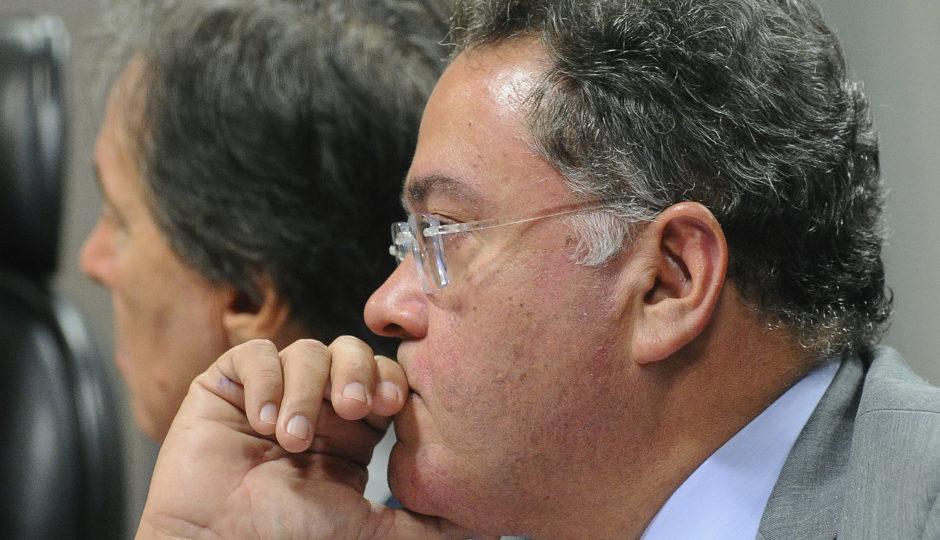 Juiz condena Roberto Rocha a pagar dívida a agência de viagens