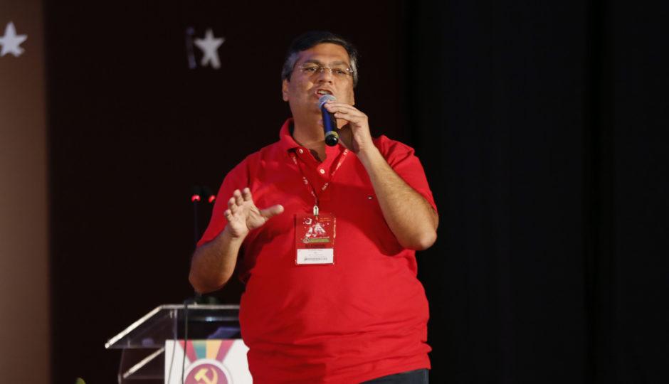 Dino pede registro de candidatura e declara R$ 885 mil em bens ao TRE