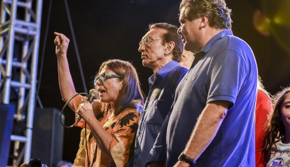 """Roseana critica Dino por mortes em portas de hospitais: """"propaganda não salva a vida"""""""