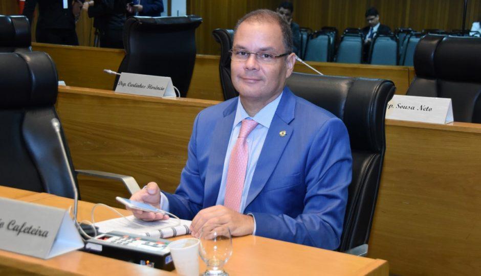 Líder do governo, Cafeteira tem votação vergonhosa e não consegue reeleição