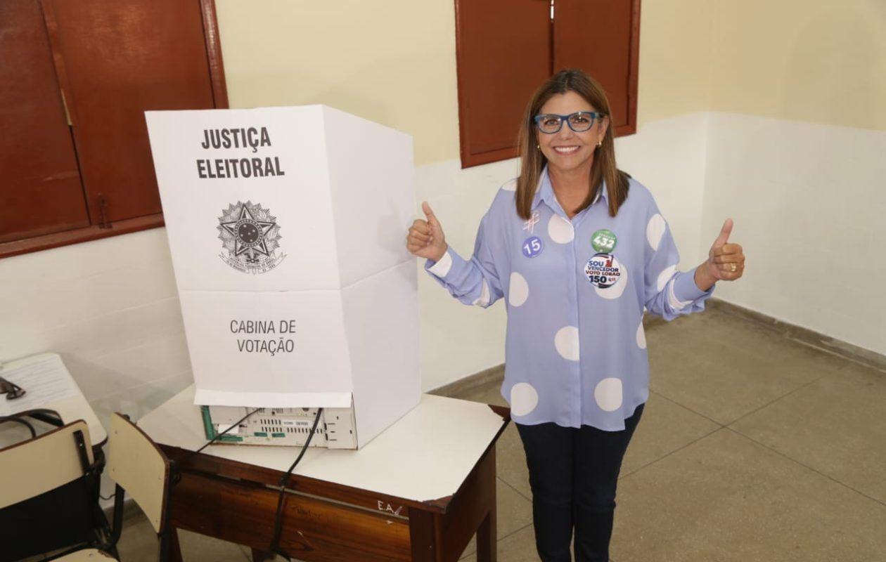 "Roseana Sarney ao votar: ""Vamos pro segundo turno"""