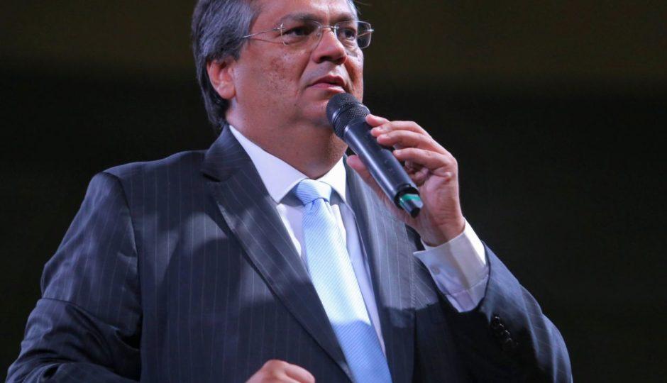 Show bancado pela Lei de Incentivo à Cultura garante público para recondução de Dino